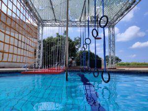 פעילות אקסטרים נינג'ה בבריכה הביתית